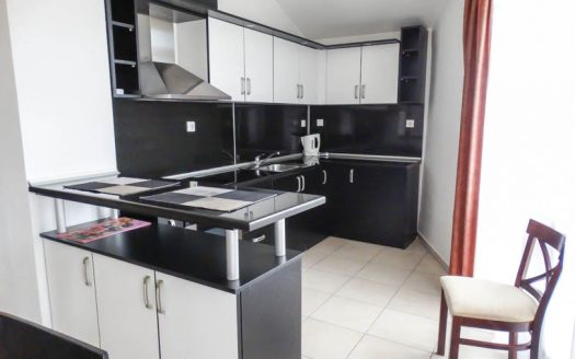 -Luxurious 2 bed on Elegant Lux