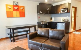 -Furnished 2 bed on Demianitsa