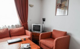 -Furnished 1 bed on Winslow Atrium