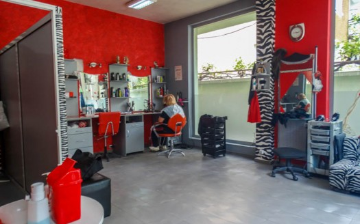 -Established hairdresser business for sale
