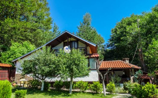 -2 bed Bungalow Near Razlog