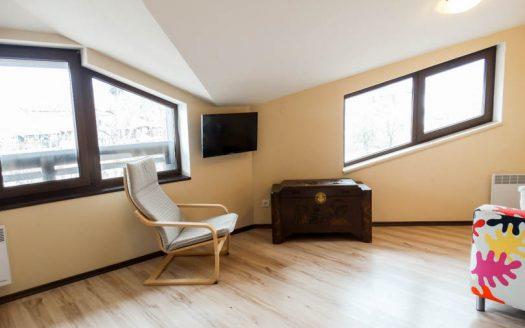-Top floor 1 bed on All Seasons Resort