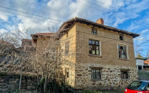-3 bed country house near Banya