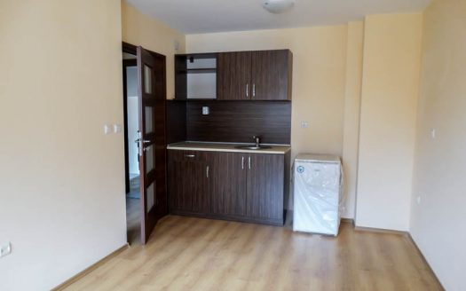 -Brand new 1 bed on Royal Park