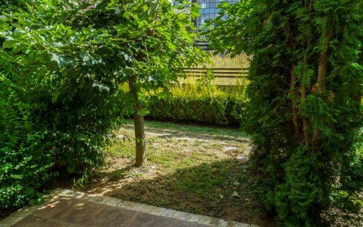 -Garden studio on Aspen Suites