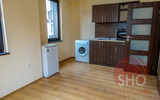 -Brand new 2 bed on Royal Park