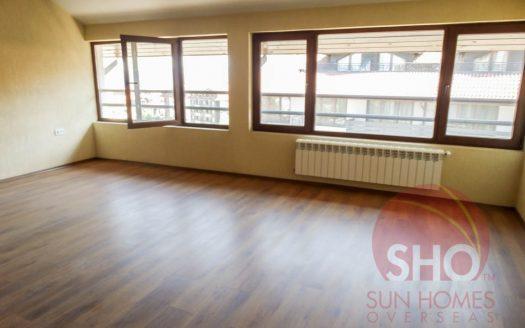 -Brand new spacious studio on Comfort